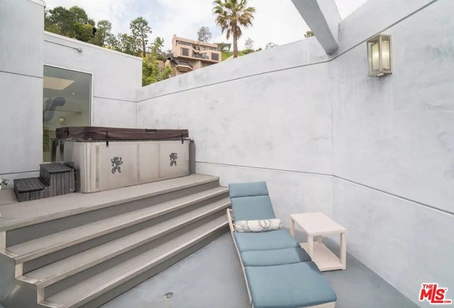 5 Bedrooms, Bel Air-Beverly Crest Rental in Los Angeles, CA for $35,000 - Photo 2