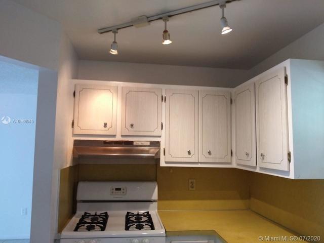 1 Bedroom, Lenox Manor Rental in Miami, FL for $1,325 - Photo 2