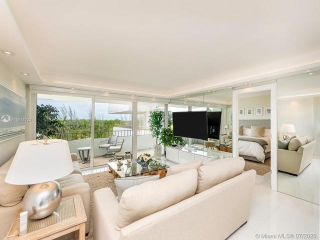 1 Bedroom, Village of Key Biscayne Rental in Miami, FL for $3,150 - Photo 2