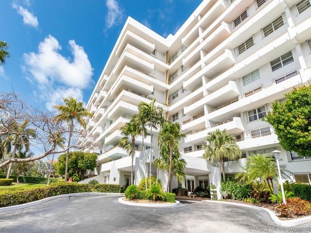 1 Bedroom, Village of Key Biscayne Rental in Miami, FL for $3,150 - Photo 1