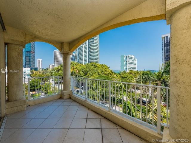 2 Bedrooms, Brickell Rental in Miami, FL for $2,200 - Photo 2