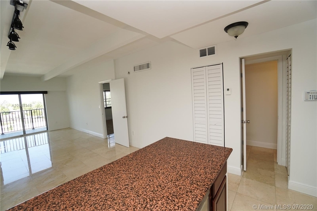 1 Bedroom, Lenox Manor Rental in Miami, FL for $1,575 - Photo 2