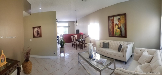 3 Bedrooms, Davie Rental in Miami, FL for $2,700 - Photo 2