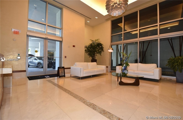 2 Bedrooms, Miami Financial District Rental in Miami, FL for $2,690 - Photo 2