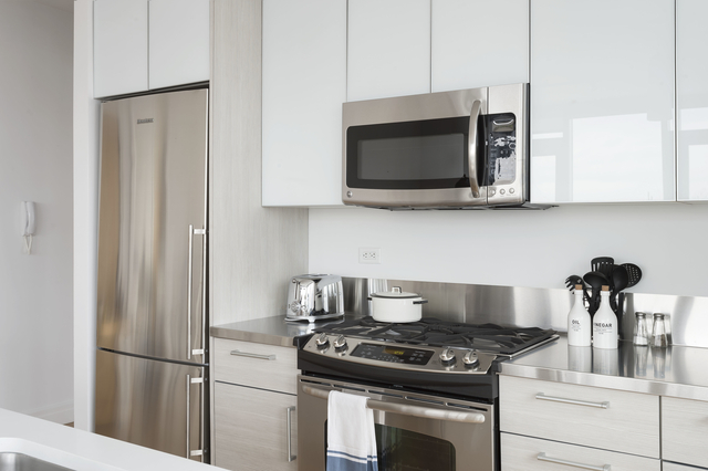 Studio, Hell's Kitchen Rental in NYC for $2,579 - Photo 1