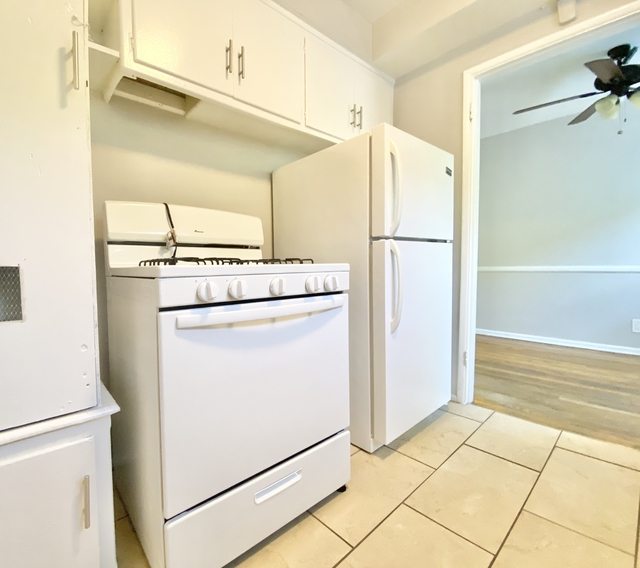 1 Bedroom, Whitley Heights Rental in Los Angeles, CA for $1,895 - Photo 2