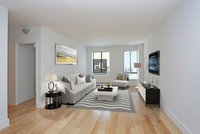 2 Bedrooms, Hell's Kitchen Rental in NYC for $4,694 - Photo 1