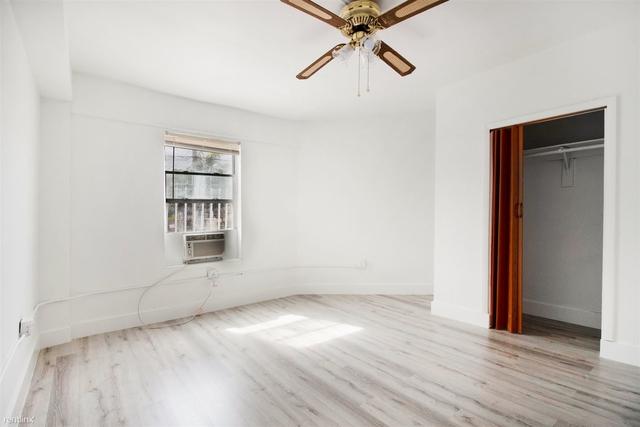 1 Bedroom, Riverview Rental in Miami, FL for $1,100 - Photo 2