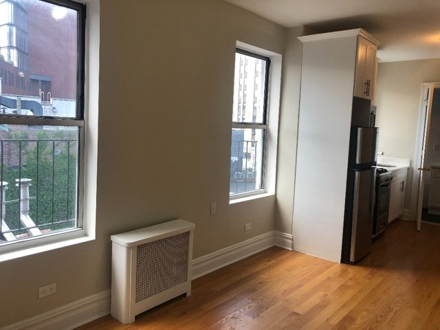 1 Bedroom, West Village Rental in NYC for $3,115 - Photo 2