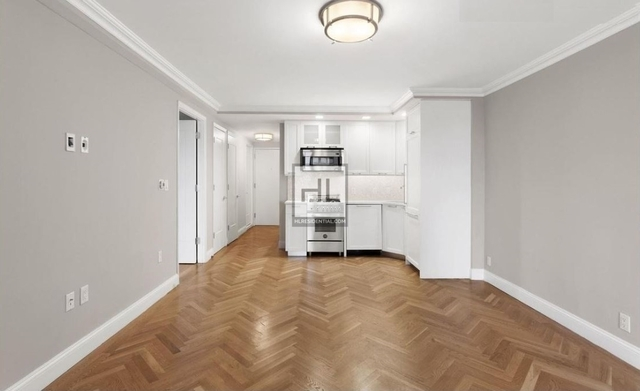 1 Bedroom, Yorkville Rental in NYC for $4,570 - Photo 2