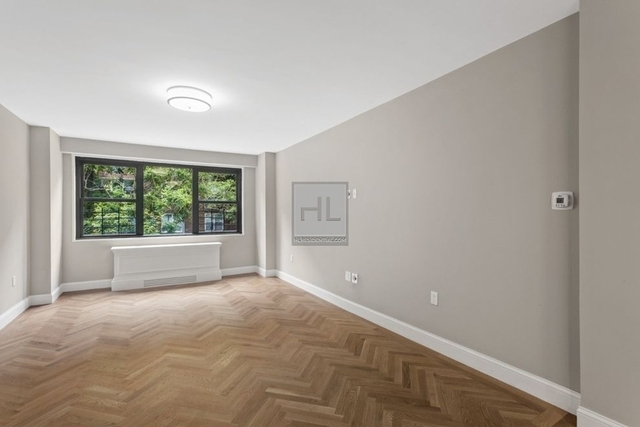 2 Bedrooms, Yorkville Rental in NYC for $5,400 - Photo 2