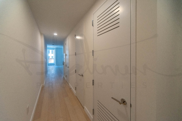 Studio, Financial District Rental in NYC for $3,253 - Photo 2
