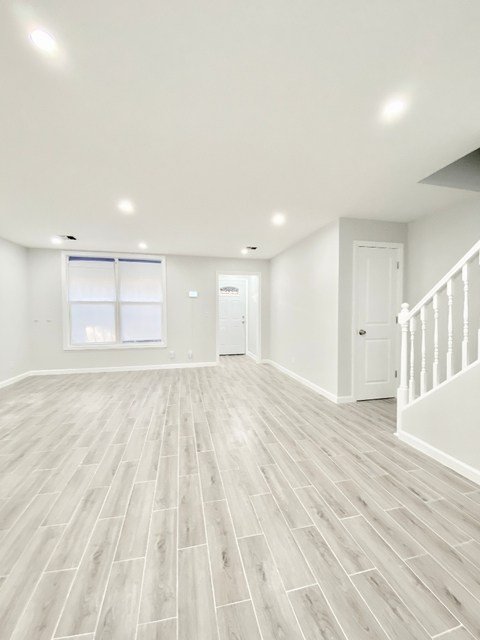3 Bedrooms, Crotona Park East Rental in NYC for $3,000 - Photo 1