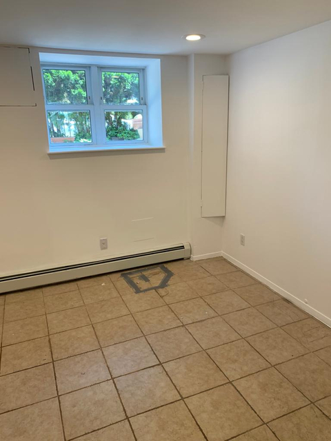 2 Bedrooms, Astoria Rental in NYC for $2,150 - Photo 1