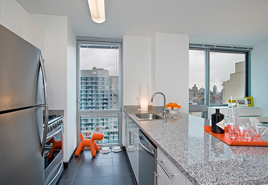 Studio, Hell's Kitchen Rental in NYC for $2,365 - Photo 2