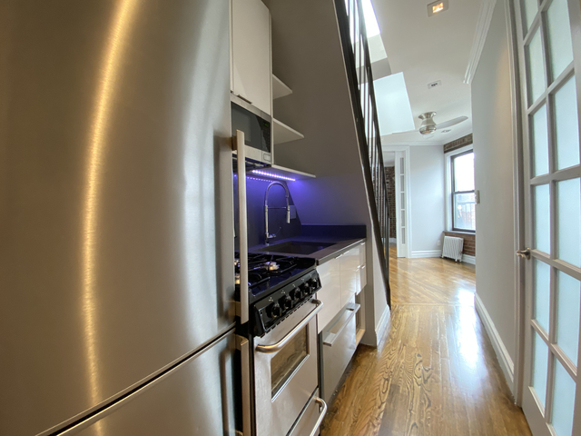 3 Bedrooms, East Village Rental in NYC for $4,580 - Photo 1