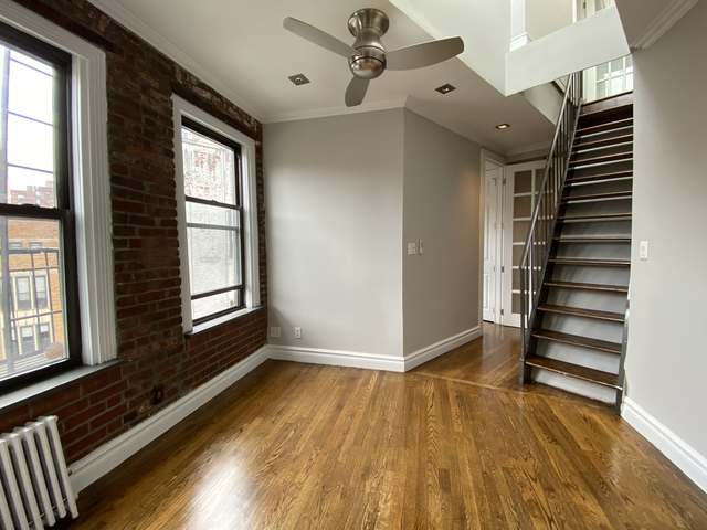 3 Bedrooms, East Village Rental in NYC for $4,580 - Photo 2