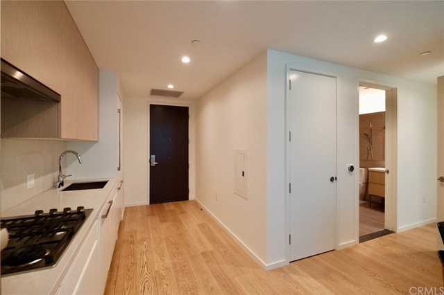 1 Bedroom, South Park Rental in Los Angeles, CA for $2,650 - Photo 2