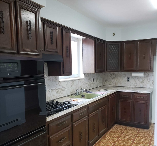 3 Bedrooms, Middle Village Rental in NYC for $2,200 - Photo 1