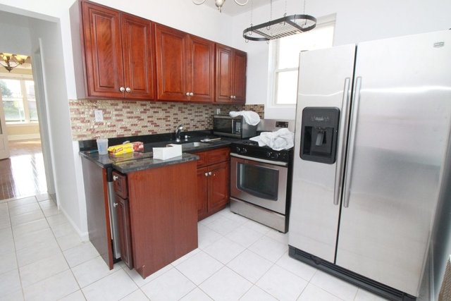 3 Bedrooms, Ditmars Rental in NYC for $2,900 - Photo 1