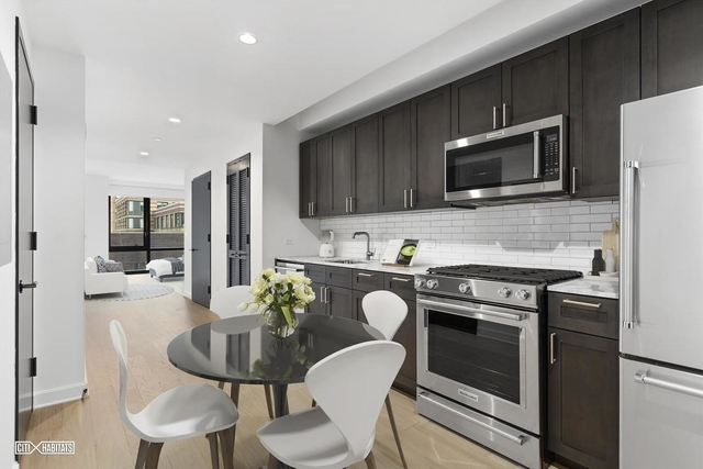 Studio, Lincoln Square Rental in NYC for $2,751 - Photo 2