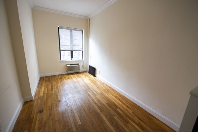 Studio, East Village Rental in NYC for $2,060 - Photo 2