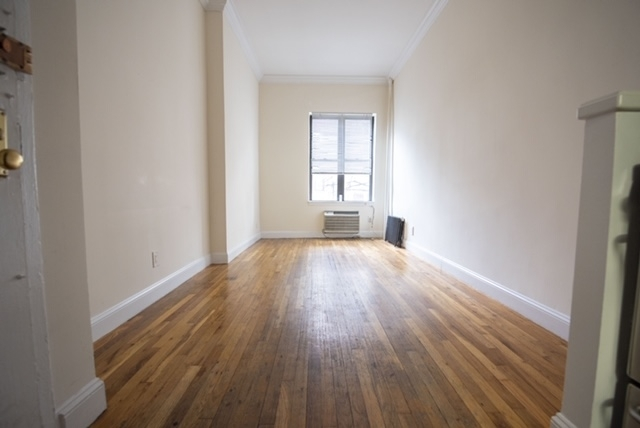 Studio, East Village Rental in NYC for $2,060 - Photo 1
