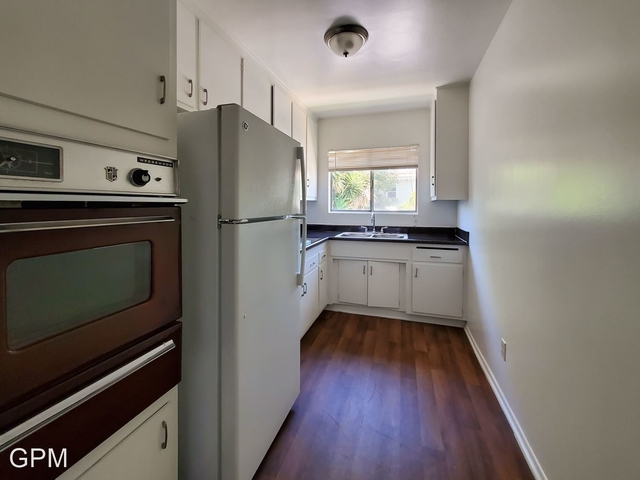1 Bedroom, Hollywood Studio District Rental in Los Angeles, CA for $1,795 - Photo 2