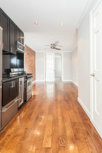 2 Bedrooms, Hell's Kitchen Rental in NYC for $3,662 - Photo 1