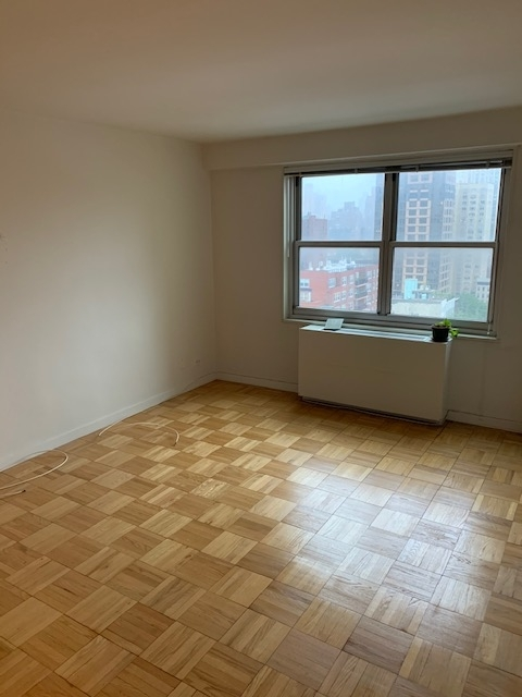 2 Bedrooms, Yorkville Rental in NYC for $4,485 - Photo 2