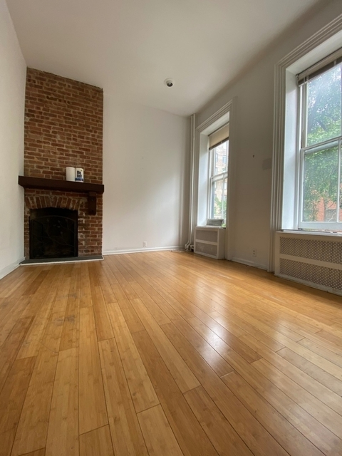 3 Bedrooms, Turtle Bay Rental in NYC for $3,950 - Photo 1