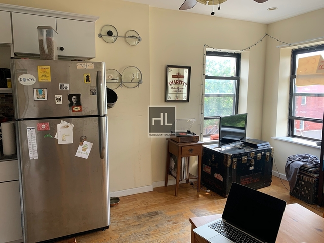 3 Bedrooms, Bedford-Stuyvesant Rental in NYC for $2,600 - Photo 2
