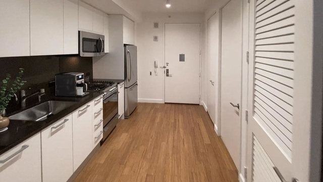Studio, Garment District Rental in NYC for $3,442 - Photo 2