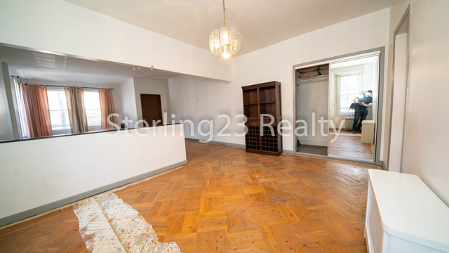 2 Bedrooms, Astoria Rental in NYC for $2,400 - Photo 2