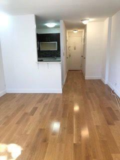 Studio, Yorkville Rental in NYC for $2,145 - Photo 2