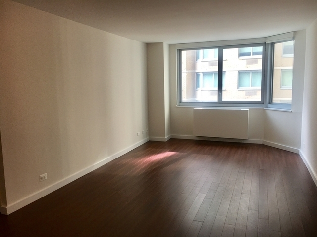 2 Bedrooms, Murray Hill Rental in NYC for $2,820 - Photo 1