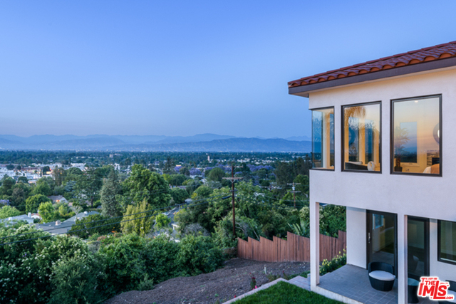 5 Bedrooms, Sherman Oaks Rental in Los Angeles, CA for $8,400 - Photo 1