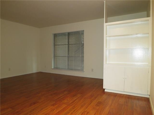 1 Bedroom, North Oaklawn Rental in Dallas for $900 - Photo 1