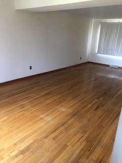 3 Bedrooms, Bay Terrace Rental in NYC for $2,000 - Photo 2