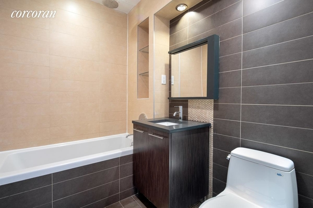 2 Bedrooms, Greenpoint Rental in NYC for $3,835 - Photo 2