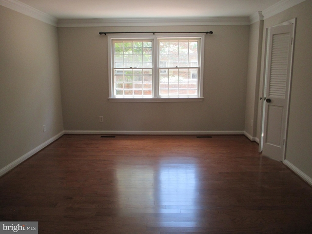 3 Bedrooms, Del Ray Rental in Washington, DC for $2,895 - Photo 2