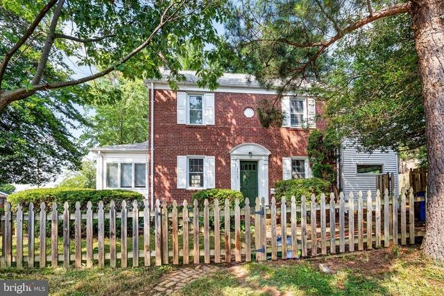 3 Bedrooms, Bethesda Rental in Washington, DC for $4,200 - Photo 1