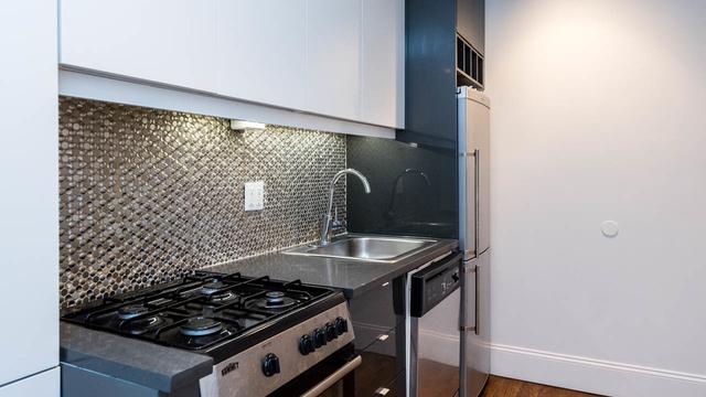 3 Bedrooms, Zanesville Rental in Zanesville, OH for $2,500 - Photo 1