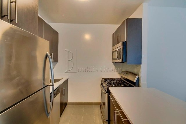 1 Bedroom, Financial District Rental in NYC for $3,210 - Photo 2