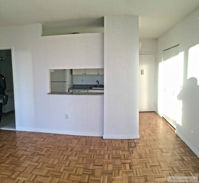 1 Bedroom, Battery Park City Rental in NYC for $3,665 - Photo 2