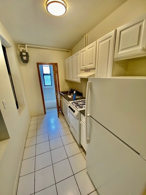 1 Bedroom, Upper East Side Rental in NYC for $2,240 - Photo 2