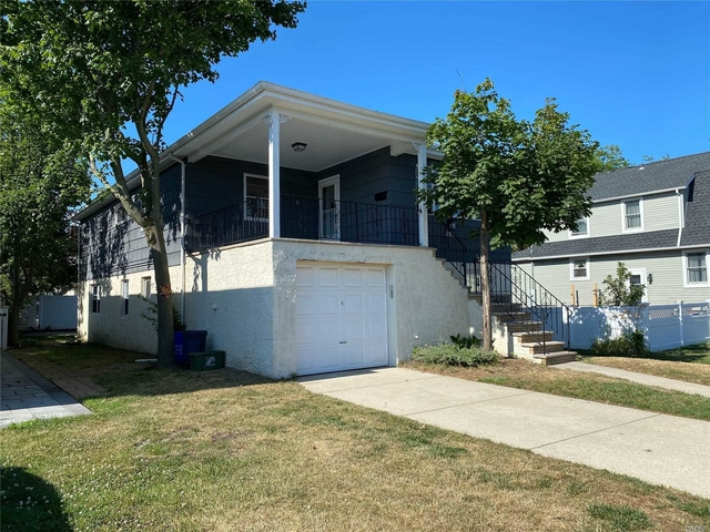 3 Bedrooms, East End South Rental in Long Island, NY for $2,900 - Photo 1