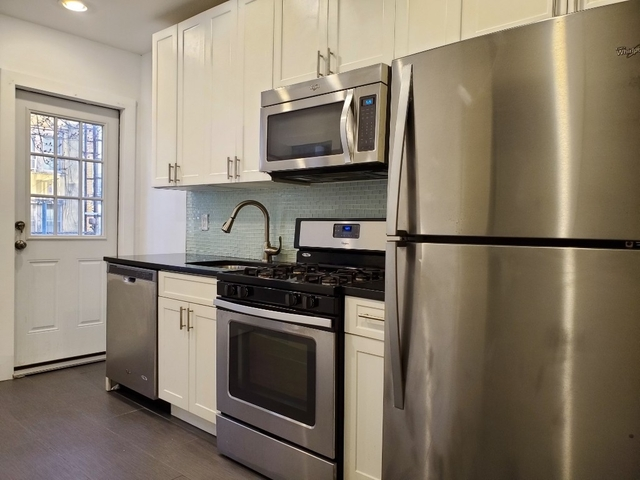 3 Bedrooms, Ridgewood Rental in NYC for $2,595 - Photo 1
