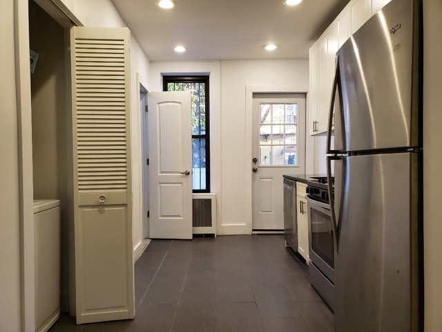3 Bedrooms, Ridgewood Rental in NYC for $2,595 - Photo 2