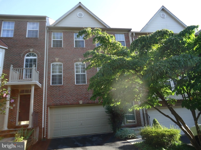 3 Bedrooms, Chantilly Rental in Washington, DC for $2,800 - Photo 1